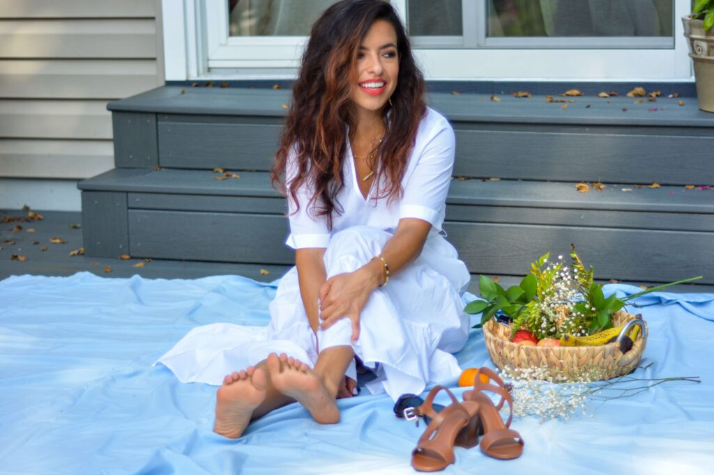 petite fashion blogger White tiered dress from Target